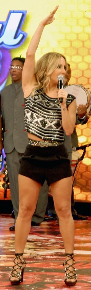 O Caldeirão do Huck mostra quadros temáticos e traz Claudia Leitte como atração musical (Foto: Globo)