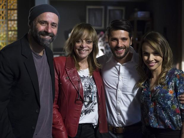 Glória Perez e Mauro Mendonça Filho ajudaram na preparação dos atores (Foto: Estevam Avelar/TV Globo)