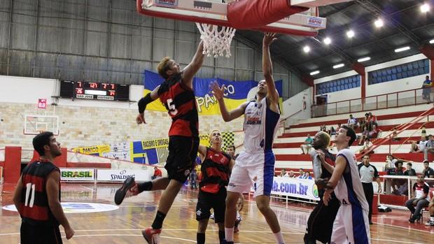 Flamengo Suzano LDB (Foto: Elaine Bento)