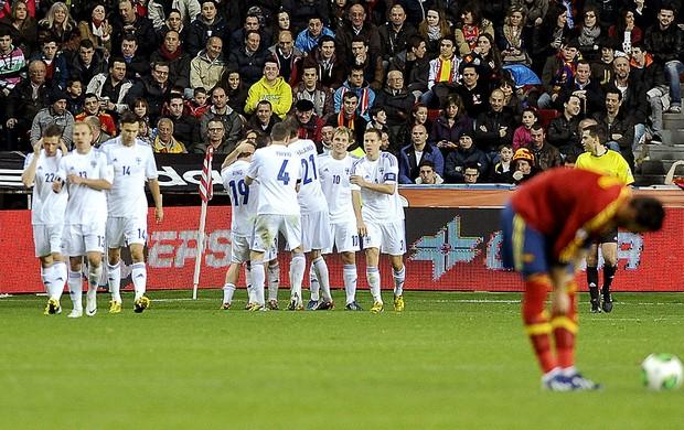 Finlândia gol comemoração jogo Espanha (Foto: AFP)