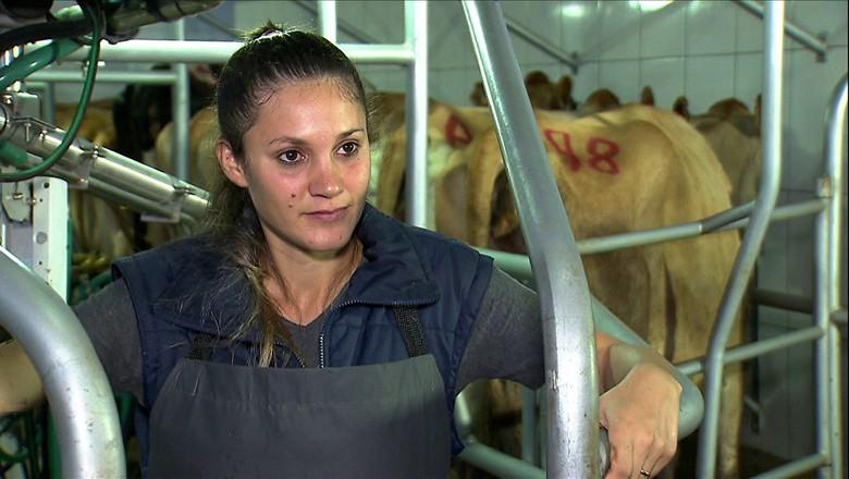 tv-marlene-mulher-agricultora-leite-gado (Foto: Reprodução/ TV Globo)