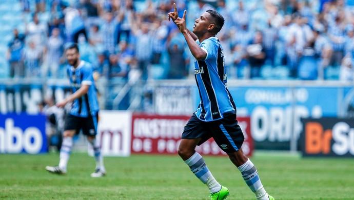 Pedro Rocha marca contra o Veranópolis (Foto: Lucas Uebel / Grêmio, DVG)