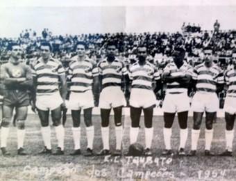 Elenco Taubaté 1954 (Foto: Acervo/ esportclubetaubate.com.br)