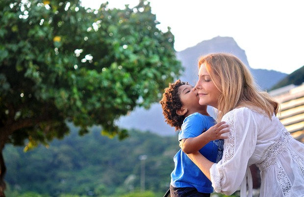 GALERIA Maria Padilha e o filho Manuel, de 2 anos (Foto: Luiza Dantas / Divulgação)