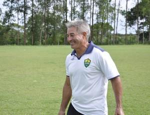 Ary  Marques treinador do Cuiabá (Foto: Robson Boamorte)