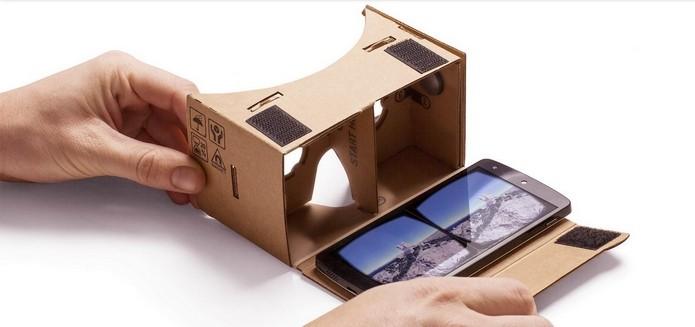 Google Cardboard pronto para ser usado com smartphone (Foto: Divulgação/Google)