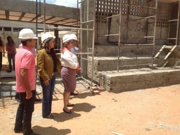 Governadora visitou obras de centro tecnólogico (Foto: Sec. de Infraestrutura do RN/Divulgação)