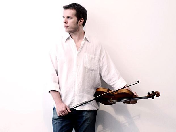 O violinista Nicolas Krassik, que se apresenta no Tributo a Baden Powell nesta semana no Clube do Choro de Brasília (Foto: Bruno Veiga/Divulgação)