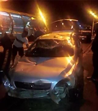 Paraná TV acidente carro (Foto: Reprodução/ RPC TV)