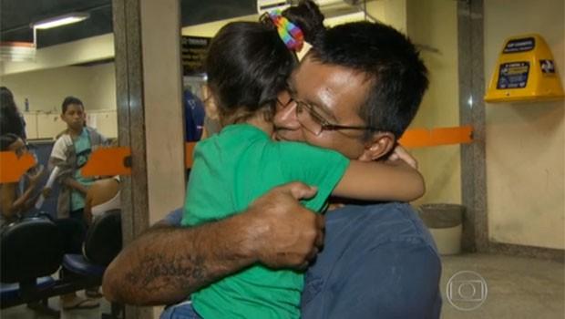 Menina foi arrastada por BRT (Foto: Reprodução/TV Globo)