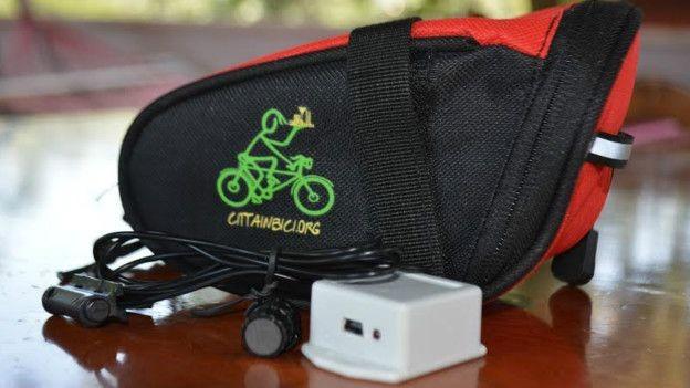 Cotrole de distância percorrida é feita por equipamento instalado na bicicleta (Foto: BBC BRASIL/Erika Zidko)