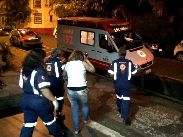 Presa foi levada ao pronto-socorro após tentar se matar em Piracicaba (Foto: Valter Martins/Piracicaba em Alerta)