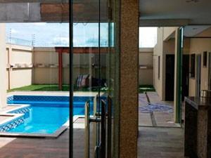 Casa de luxo comprada em Luís Eduardo Magalhães com o dinheiro do desvio de cargas. (Foto: Divulgação/ Polícia Civil)