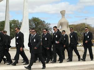 Segurança é reforçada nos arredores do Supremo Tribunal Federal (STF), para o julgamento do processo do mensalão em Brasília. O julgamento está previsto para começar amanhã (02). (Foto: Dida Sampaio/AE)