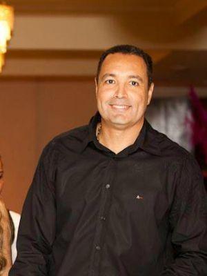 Helano Moniz doou um rim para o irmão, mas teve o intestino perfurado, diz família  (Foto: Reprodução/Facebook)