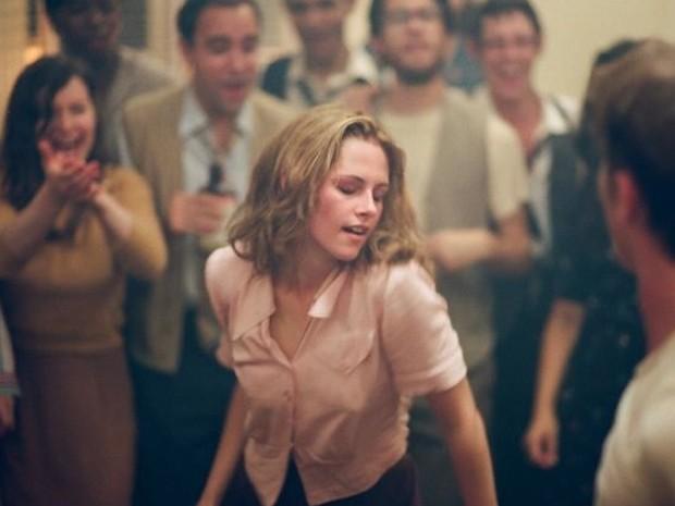 Kristen Stewart dança de forma sensual em 'Na estrada' (Foto: Divulgação)