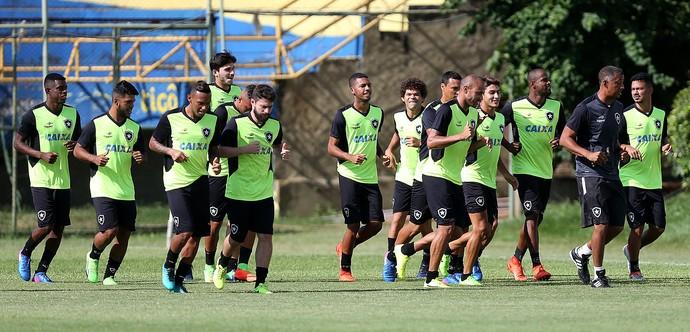 Treino Botafogo Assunção Ednilson Sena (Foto: Vitor Silva / SSpress / Botafogo)