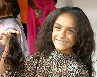 80 meninas e mulheres participaram da ação (Foto: RJTV 2ª Edição)