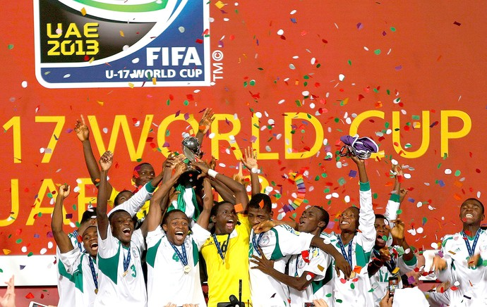 comemoração Nigéria final Copa do Mundo sub-17 (Foto: Reuters)