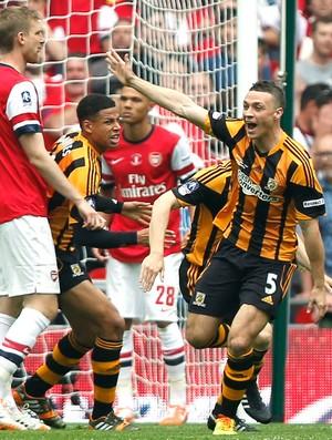 James Chester Comemora gol do Hull city contra o Arsenal (Foto: Agência AP )