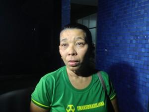 Alzira Borges, esposa do motorista do ônibus (Foto: Ellyo Teixeira/G1)
