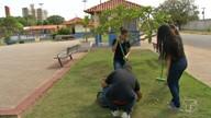 Alunos de Gestão Ambiental desenvolvem projeto denominado 'Plantando na praça'