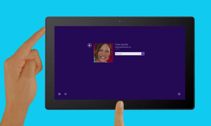 Para habilitar o leitor de tela do Windows no tablet, basta clica no botão do Windows e aumentar o volume ao mesmo tempo (Foto: Reprodução/Microsoft)