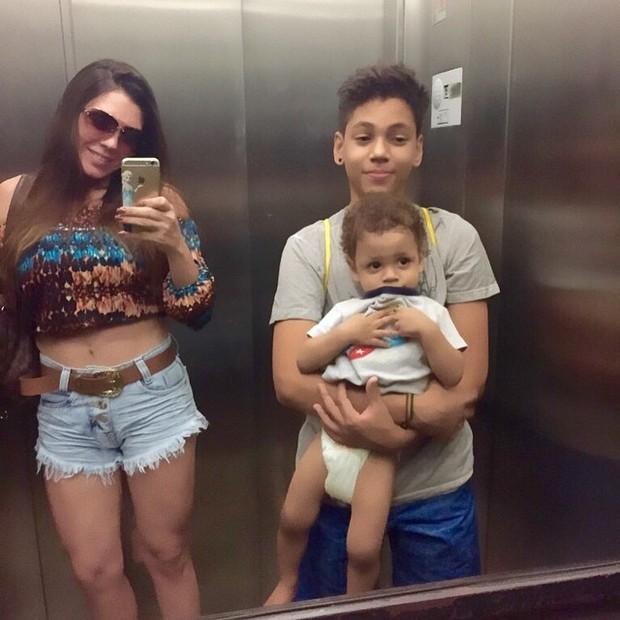 Simony com os filhos (Foto: Instagram / Reprodução)