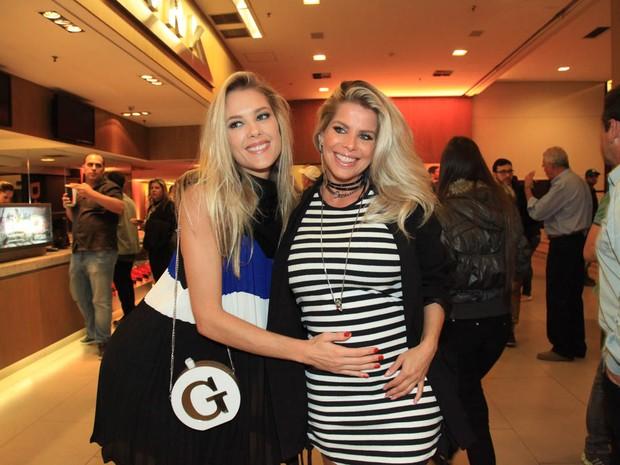 Gianne Albertoni e Karina Bacchi em pré-estreia de filme em São Paulo (Foto: Manuela Scarpa e Marcos Ribas/ Brazil News)
