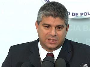 Maurício Barbosa, secretário de Segurança Pública da Bahia, anuncia a chegada da Força Nacional (Foto: Reprodução/TV Bahia)