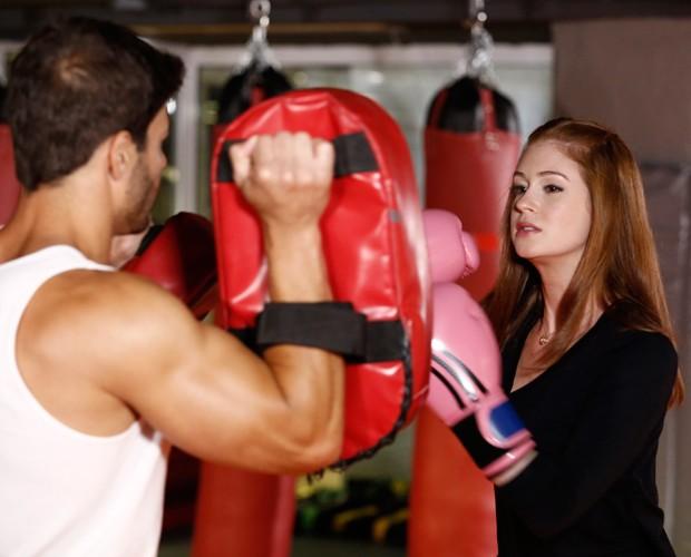 Marina Ruy Barbosa libera as energiras no kickboxing (Foto: Fábio Rocha/Gshow)