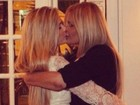 Bárbara Evans posta foto com a mãe e diz: 'Sempre estarei com você'
