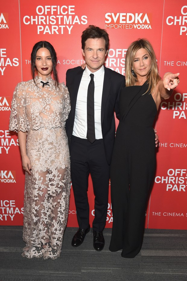 Olivia Munn, Jason Bateman e Jennifer Aniston em première de filme em Nova York, nos Estados Unidos (Foto: Jamie McCarthy/ Getty Images/ AFP)