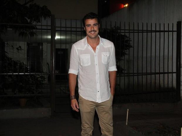 Joaquim Lopes em restaurante na Zona Oeste do Rio (Foto: Thyago Andrade/ Foto Rio News)