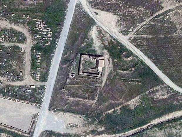 Em imagem anterior a 2014, o Mosteiro de São Elias ainda estava de pé (Foto: DigitalGlobe via AP)