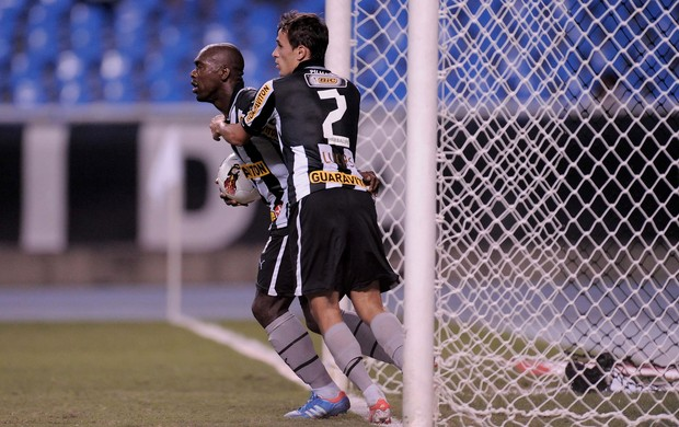 Seedorf gol Botafogo (Foto: AGIF)
