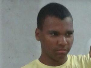 Peterson Ricardo Teixeira de Oliveira teria morrido após discussão em escola de Ferraz (Foto: Jéssica Nogueira/Arquivo Pessoal)