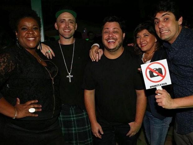 Cacau Protásio, Paulo Gustavo, Marcus Majella, Roberta Miranda e Bruno De Luca em festa de Anitta no Rio (Foto: Instagram/ Reprodução)