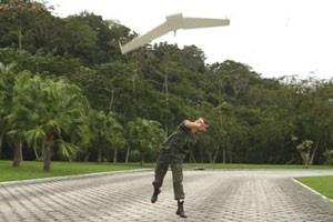 Vant brasileiro Carcará é usado desde 2007 pela Marinha (Foto: Divulgação)