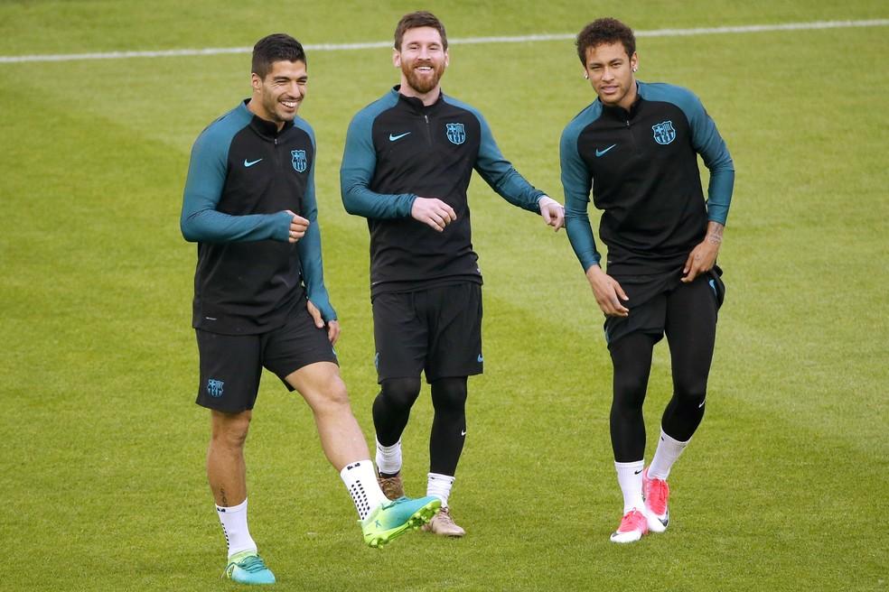 Suárez, Messi e Neymar: trio MSN recebeu muitos elogios do goleiro Buffon (Foto: AFP)