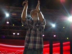 Cantor Biliu de Campina foi uma das atrações do primeiro dia do Maior São João do Mundo  (Foto: Rafael Melo/ G1)