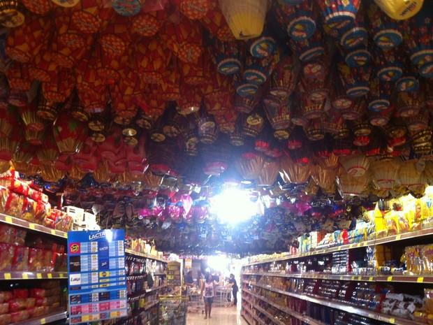 Supermecados retiraram o produto das vendas.  (Foto: Patrícia Belo / G1)