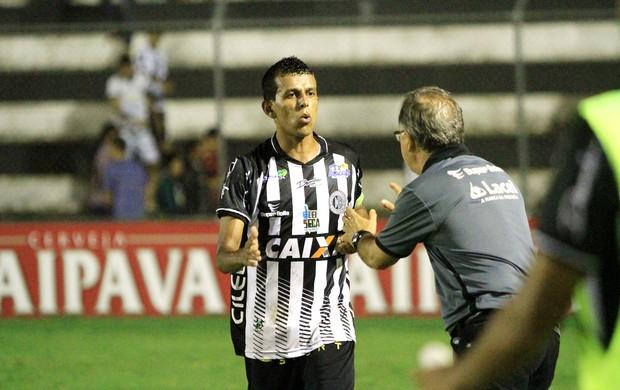Meia do ASA, Didira comemora gol com Beto Almeida (Foto: Ailton Cruz / Vipcomm)