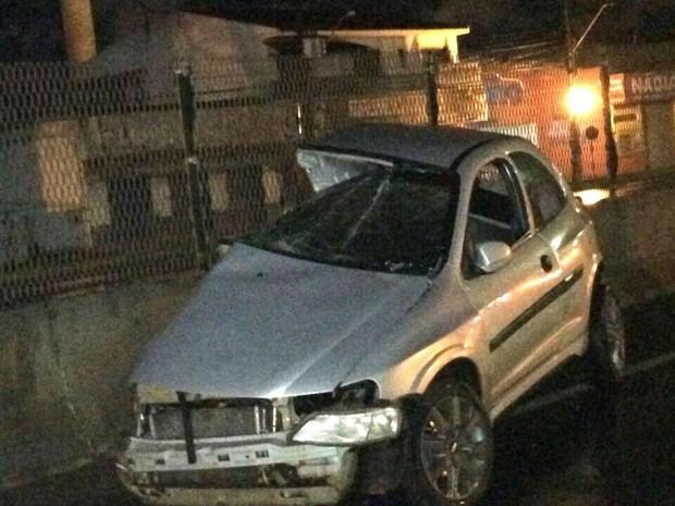 Polícia investiga se algum dos dois motoristas ultrapassou o sinal vermelho (Foto: Tedy Gonçalves)