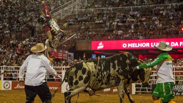Fotos: Veja a final do Rodeio Internacional de Barretos (Mateus Rigola/G1)