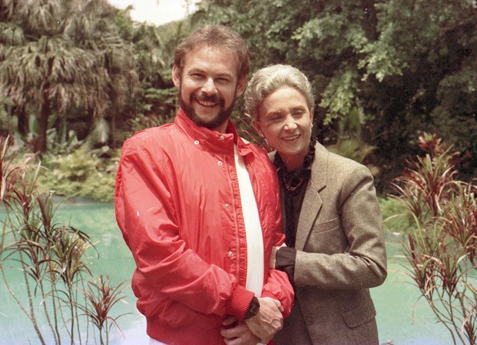 Em 'Transas e Caretas', José Wilker era Tiago, Filho de Francisca (Eva Wilma) e irmão de Jordão (Reginaldo Faria). Era um homem envolvente, que vivia rodeado de mulheres. (Foto: Cedoc / TV Globo)