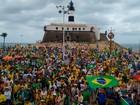 Manifestantes fazem caminhada em defesa da Lava Jato em Salvador