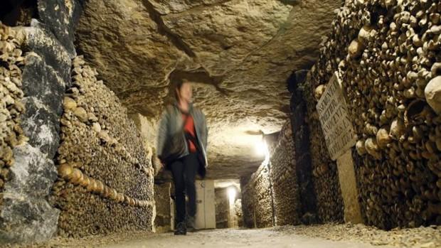 Rede de túneis abriga restos mortais de 6 milhões de pessoas (Foto: BBC)