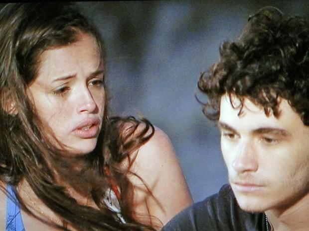 Dinho fica chateado ao saber do plano para que Ju conseguisse conquistá-lo (Foto: Divulgação/TV Globo)