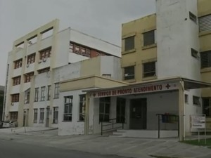 Jovem está internada em hospital de Rio Grande (Foto: Reprodução/RBS TV)